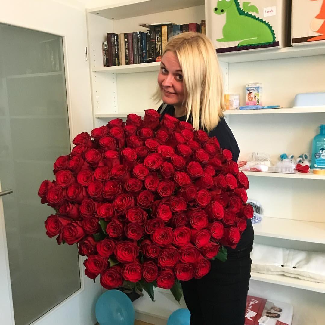 101 роза — 5 990 крон